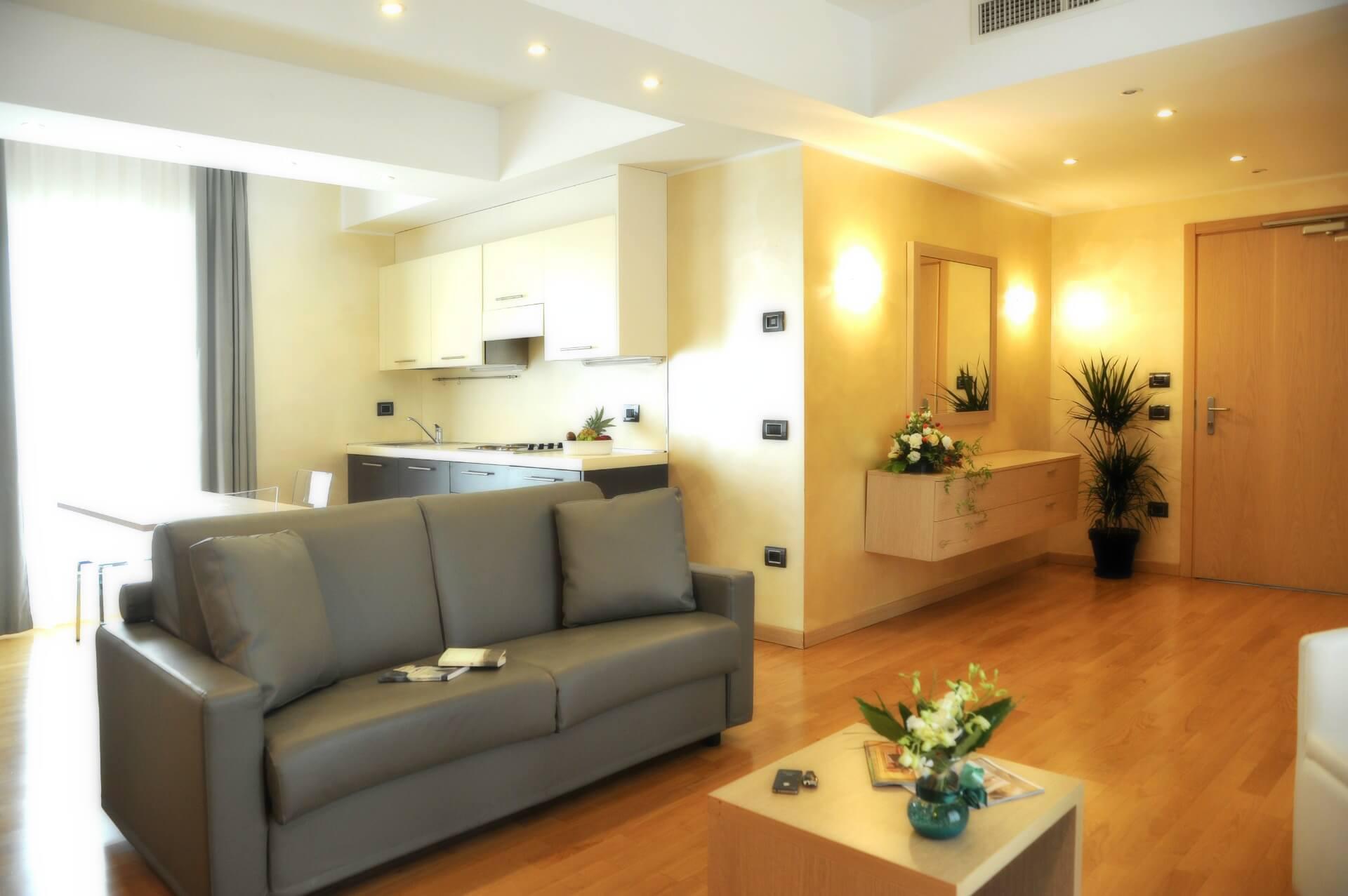 Palace hotel pacchetto leolandia hotel 4 stelle vicino for Appartamenti bergamo